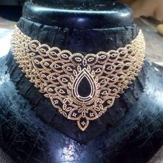 Diamond Choker Necklace, Diamond Jewelry, Gold Jewelry, Choker Necklaces, India Jewelry, Jewellery, Small Necklace, Chanel Pearls, Necklace Designs