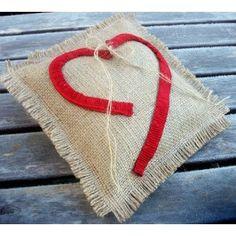 cojin porta alianzas bodas http://www.tienda-online.decoracionydetalle.com/40-58-thickbox/porta-alianzas-saco-corazon-rojo.jpg