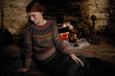 Knit this womens fairisle sweater from Rowan Knitting & Crochet Magazine a design by Marie Wallin using Felted Tweed (wool, alpaca and viscose). With deep cuff and bands and raglan sleeves, this knitting pattern is suitable for the experienced knitter. Fair Isle Knitting, Hand Knitting, Vintage Knitting, Laine Rowan, Fair Isles, Fair Isle Pattern, Crochet Magazine, Knit Patterns, Rowan Knitting Patterns