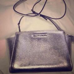 Silver gold MK Selma New sale sq.cash pp gw 1/2 0f Silver gold MK Selma New sale sq.cash pp gw 1/2 0ff great references no fees half price priority ship 401-359-4455 great references Michael Kors Bags Satchels