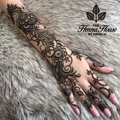 The Fundamentals of 29 Cool Henna House by Angela Revealed Pretty Henna Designs, Mehndi Designs Finger, Arabic Henna Designs, Mehndi Designs For Girls, Modern Mehndi Designs, Dulhan Mehndi Designs, Mehndi Design Photos, Mehndi Designs For Fingers, Latest Mehndi Designs