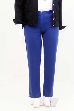 Calça Malha Royal Calça Plus Size com cortesocial pernas reta em malha eurocaram com zipper na frente cós e bolsos traseiro #calcaplussize #plussize #modaplussize #modaplussizebrasil #mulherplussize #mulheresplussize #tamanhogrande #vickttoriavick #modaplussizebr #plussizebrasil #plussizefashion #modagg #moda #fashion #feitonobrasil #plussizes #plussizebr #gordinhasdobrasil #modafemininaplussize #somosplussize #lojaplussize #lojafeminina #mulheresreais