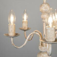 Lámpara de araña ROMANO 5 color visón - Candelabro de estilo holandés antiguo y atemporal, con casquillos decorativos. Esta lámpara tiene unos precioso acabados a mano de color visón rústico.