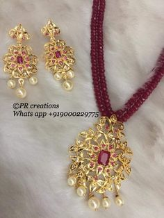 Love the versatility worth pendant and bead neck lace Pearl Necklace Designs, Beaded Jewelry Designs, Gold Jewellery Design, Bead Jewellery, Jewelry Patterns, India Jewelry, Gold Jewelry, Latest Jewellery, Jewelry Model