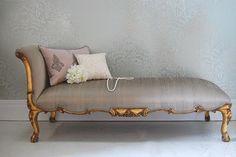 chaise longue, pearl cushion