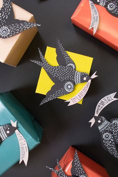 DIY: flying bird gift topper (free printable template)