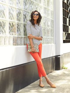 How to Wear red pants. Love this look. Especially  the shoes