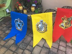 Harry Potter Birthday #harrypotter #birthdayparties #diyparty #partyaccessories #flags