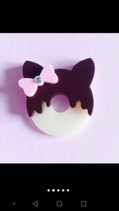 Acrylic cat donut
