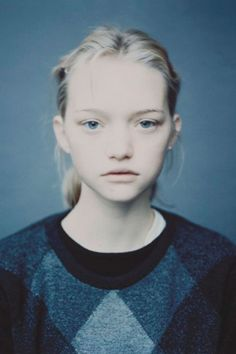 Gemma Ward photographed by Paolo Roversi // photography saturation inspiration Paolo Roversi, Gemma Ward, Vogue Models, Fashion Photography Inspiration, Foto Pose, Face Hair, Interesting Faces, Poses, Belle Photo
