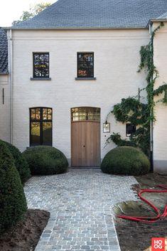 卡特雷花园(Charterre Gardens),带有乡村花园Itegem高阶特色#家#… - Most Beautiful House Designs 2020 Natural Flooring, Building A New Home, Modern Kitchen Design, Modern Design, House Front, Exterior Design, Future House, New Homes, Backyard
