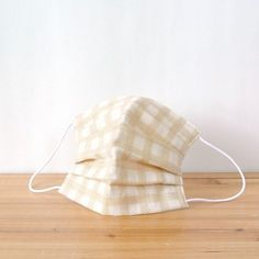 Gingham check of natural color on top of the unbleached color of the fabric. Natural lifestyle lovers for.  TEMARIYA masks are all hand made with soft...