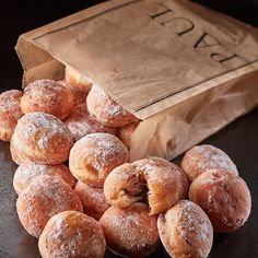 PAUL Bakery - home to the best beignets in London. Beignets, Breakfast Recipes, Dessert Recipes, Desserts, Apple Cinnamon Rolls, Low Carb Vegetarian Recipes, Vegan Restaurants, Home Baking, Cafe Food