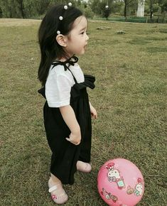 kawaii Bebe 可愛い ღ Cute Asian Babies, Korean Babies, Asian Kids, Cute Babies, Cute Little Baby, Cute Baby Girl, Baby Love, Cute Kids Photography, Kids Fashion Photography
