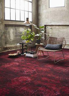 Vintage #tapijt in diepe warme toon-op-toon kleuren.