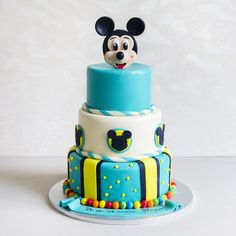 Mickey Mouse, Turquoise, Desserts, Food, Tailgate Desserts, Deserts, Michey Mouse, Eten, Postres