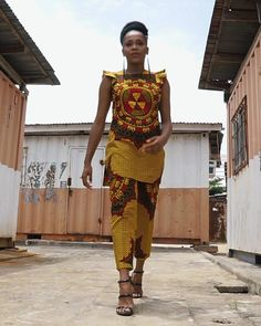 African Print Pants, African Print Clothing, African Prints, African Inspired Fashion, African Fashion, African Tops For Women, Printed Trousers, Ankara, Print Fabrics