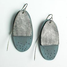 Metal Jewelry Genevieve Williamson: A Peak. Try with leather in back and metal in front? Leather Earrings, Leather Jewelry, Metal Jewelry, Jewelry Art, Jewelry Design, Jewlery, Ceramic Jewelry, Enamel Jewelry, Porcelain Jewelry