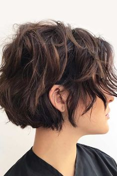 Layered short hair 45 ideas to rock your short curly hair lovehairstyles haircuts hairideas curlyhair shorthair bobpixie blonde wavy bob short bob wavy hairstyle inspo wavy hair inspo short hair Medium Short Hair, Short Hair With Layers, Medium Hair Cuts, Short Hair Cuts, Medium Hair Styles, Curly Hair Styles, Hair Layers, Short Layered Curly Hair, Pixie Cuts