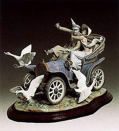 LLADRO PIECE #1375#   CAR IN TROUBLE