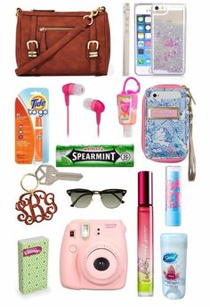 ♡♡♡what's in my purse♡♡♡ - designer bags and purses, ladies hand bag online, ladies coin purse *ad Travel Bag Essentials, School Essentials, Packing Tips For Travel, Travel Hacks, School Purse, School Bags, Designer Bags Online, Online Bags, Designer Purses