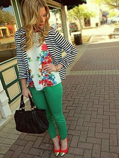 Spring outfit idea: stripes and floral pattern mixing. Spring outfit idea: stripes and floral pattern mixing. Casual Outfits, Summer Outfits, Cute Outfits, Spring Outfits Women Over 30, Mixing Prints, Mixing Patterns, Pattern Mixing Outfits, Vestidos Vintage, Clothing Styles