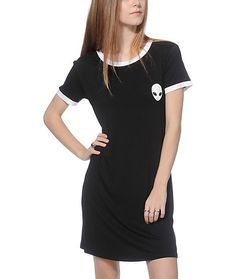 This black ringer dress is crafted with a stretchy and soft blended construction for a comfortable wear, and features an alien face graphic at the chest for style that is out of this world.