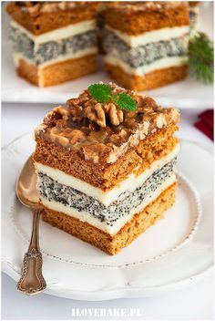 orzechowiec Polish Desserts, No Bake Desserts, Dessert Recipes, Cheesecake Recipes, Cookie Recipes, Happy Foods, Homemade Cakes, Dessert Bars, Yummy Cakes
