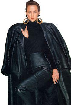 Fall Fashion Outfits, Fur Fashion, Leather Fashion, Sexy Outfits, Vintage Leather, Black Leather, Latex Dress, Leather Trousers, Rain Wear
