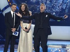 My favorite American Idol, TAYLOR HICKS!  Also one of my favorite TV moments!