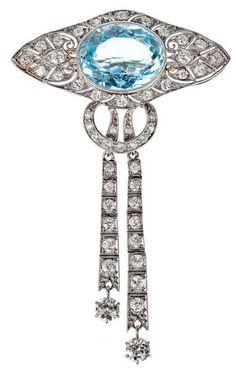 Art Deco Aquamarine Diamond Platinum Brooch