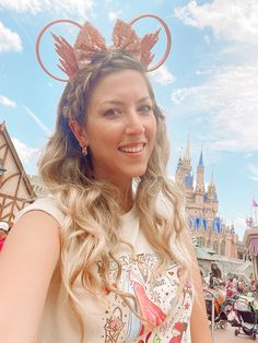 Earrings shopmoss Shirt bykystudios Ears - Magic Mountain Ears Disney Bound, Disney Outfits, Flower Earrings, Capsule Wardrobe, 18k Gold, Ears, Mountain, Magic, Shirt