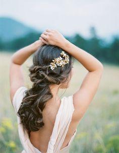 A romantic twist: http://www.stylemepretty.com/2015/10/15/mountaintop-colorado-bridal-shoot/ | Photography: Jennifer Blair - http://jenniferblairphotography.com/: