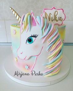 Savory magic cake with roasted peppers and tandoori - Clean Eating Snacks Diy Unicorn Cake, Unicorn Cake Pops, Unicorn Cake Design, Unicorn Party, Fete Emma, Rodjendanske Torte, Birthday Cake Girls, Unicorn Birthday Cakes, Puppy Birthday