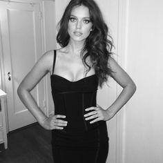 Emily Didonato en Dolce & Gabbana http://www.vogue.fr/mode/mannequins/diaporama/la-semaine-des-tops-sur-instagram-16/17496/image/939609