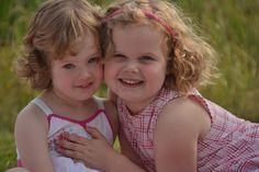 Rebecca en Lydia Familie, kinderen, zussen, fotoshoot Daniëlle Schimmel Fotografie