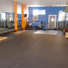 Plyometric rolled rubber is available in inch, 4 ft widths. Use plyometric rolls of rubber for plyometric athletic and aerobic gym floors. Plyometric Workout, Plyometrics, Basement Gym, Garage Gym, Basement Apartment, Home Gym Flooring, Flooring Tiles, Floors, Home Dance Studio