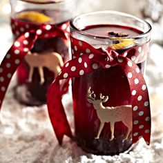 Love mulled wine but want to make your DIY batch even better? Here are some brilliant ways to take your home made mulled wine to the next level!