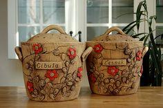dóza na cibuli-rezervace / Zboží prodejce lavender Terracotta, Lavender, Reusable Tote Bags, Paper Crafts, Basket, Clay, Simple, Fairy Houses, Clays