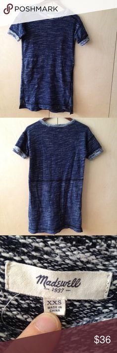 Madewell long thick knit lightweight blue T blouse Madewell long thick knit lightweight blue T blouse sz XXS speckled navy pockets fits Sz 2 as well Madewell Tops Tunics