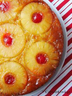 Jen's Recipes: Pineapple Upside-Down Cake (Betty Crocker) Easy Sweets, Sweets Recipes, Candy Recipes, Wine Recipes, Greek Sweets, Greek Desserts, Greek Recipes, Xmas Desserts, Party Desserts