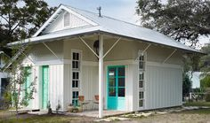 Outbuilding of the Week: Travis Heights Arts Studio by Clayton and Little