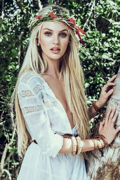 Inspiration: Vogue Brazil January Model Candice Swanepoel photographed by Mariano Vivanco & Zee Nunes in a boho, inspired look featuring leather bracelets. Hippie Style, Mode Hippie, Bohemian Mode, Hippie Chick, Bohemian Style, Boho Gypsy, Gypsy Hair, Hippie Hair, Bohemian Clothing