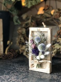 Flower Box Gift, Flower Boxes, Flower Frame, Flower Wall, Dried Flower Arrangements, Beautiful Flower Arrangements, Dried Flower Bouquet, Dried Flowers, Diy Arts And Crafts