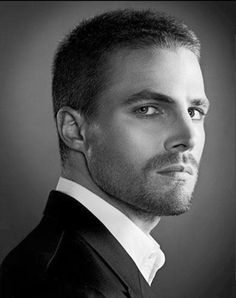 Stephen Amell - Arrow - Actor - handsome - sexy - Hot - celebrity