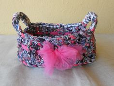 Cestino ovale in fettuccia multicolore con fiocco in tulle rosa, idea regalo., by Le gioie di  Pippilella, 13,00 € su misshobby.com