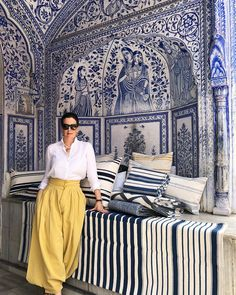 Launching our new line of HAMPTONS cushions today ✨ . Hand woven by our artisans, using the same ancient techniques as our… Interior Architecture, Interior And Exterior, Indian Interiors, Blue China, Fabulous Fabrics, White Decor, Soft Furnishings, Jaipur, Decoration