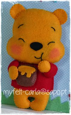 Winnie the Pooh Felt Disney Diy, Disney Crafts, Felt Patterns, Stuffed Toys Patterns, Felt Diy, Felt Crafts, Felt Christmas Ornaments, Pooh Bear, Felt Dolls