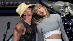 """Taylor Swift performs """"Big Star"""" with Kenny Chesney - 2015"""