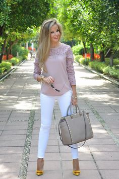 I love this blush colored top with white skinny jeans! business casual women outfits best outfits cute with different heels Mode Outfits, Fashion Outfits, Woman Outfits, Best Outfits, Business Casual Outfits For Women, Business Casual With Jeans, Professional Attire Women, Casual Women's Outfits, Casual Wear
